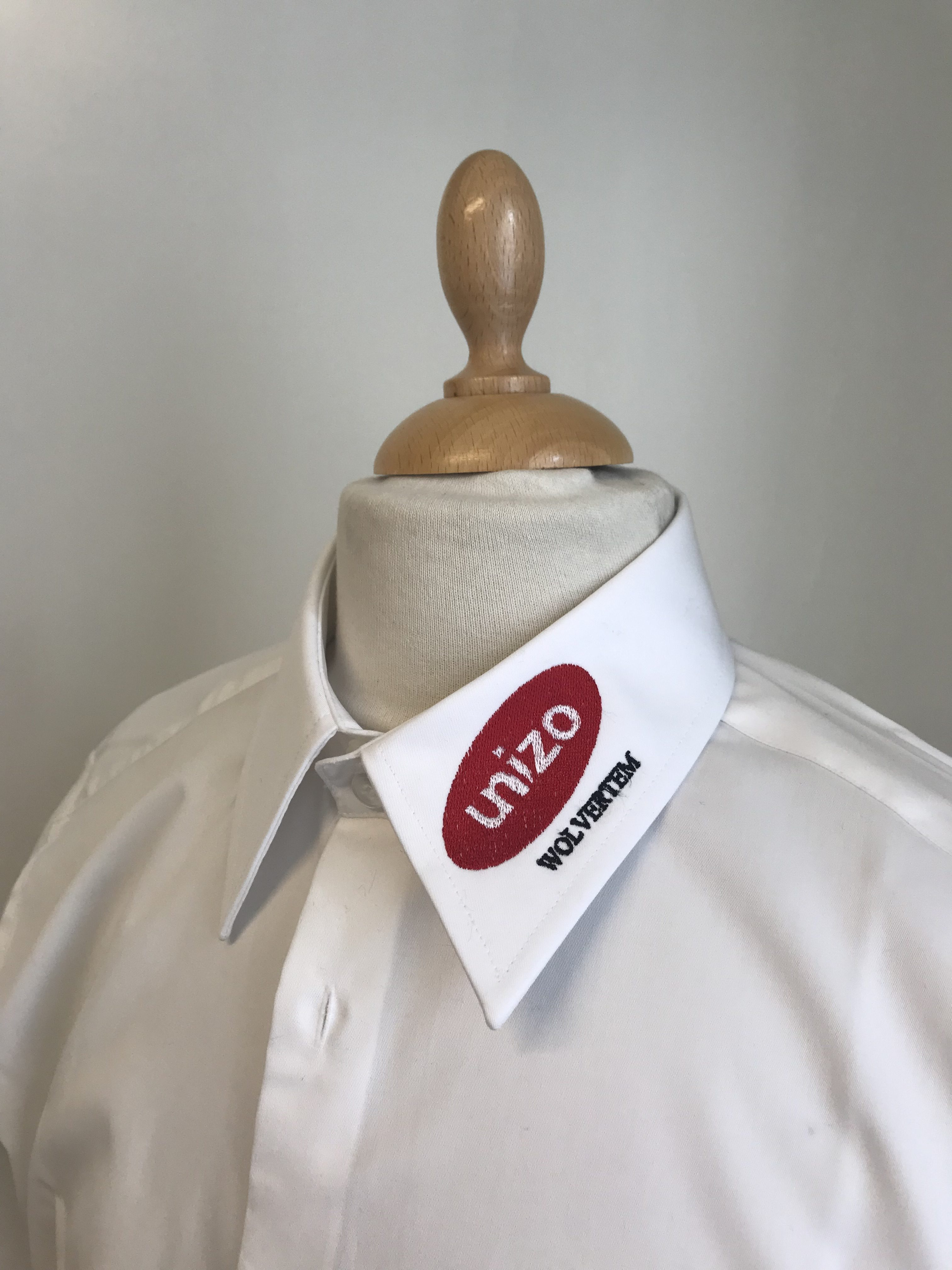 Unizo Wolvertem borduren op kleding