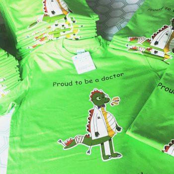 t-shirt logo doctor borduren op kleding